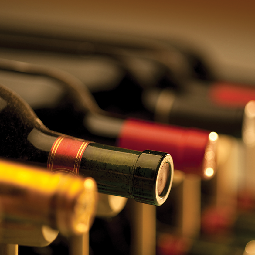 Send Our New World Picks Wine of The Month Club to Iowa City, Iowa