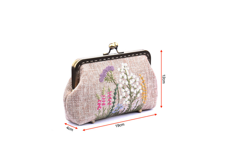 Medium-sized Hemp Purse with Hand-sewn Pattern