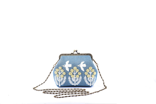 Linen Coin Purse with Iron and Zinc Alloy Handle Frame and Hand-sewn Birds and Flowers Patterns.