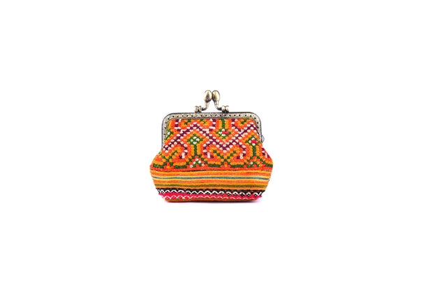 Coin Purse with Iron and Zinc Alloy Handle Frame and Traditional Brocade Pattern