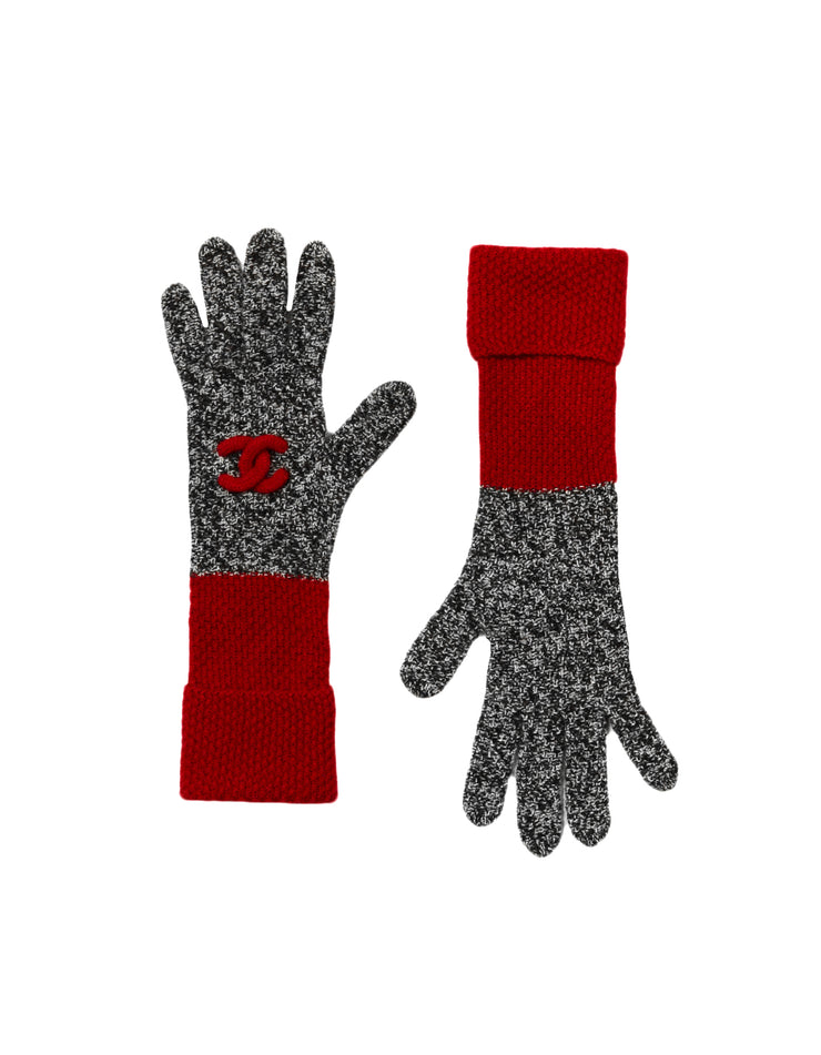 Chanel Black & White Cashmere w/ Red Trim Knit Gloves with Puffy CC Detail sz S/M