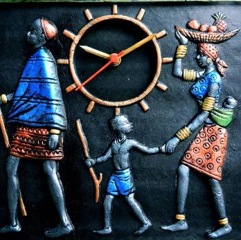 Family gift item - Massai family wall clock