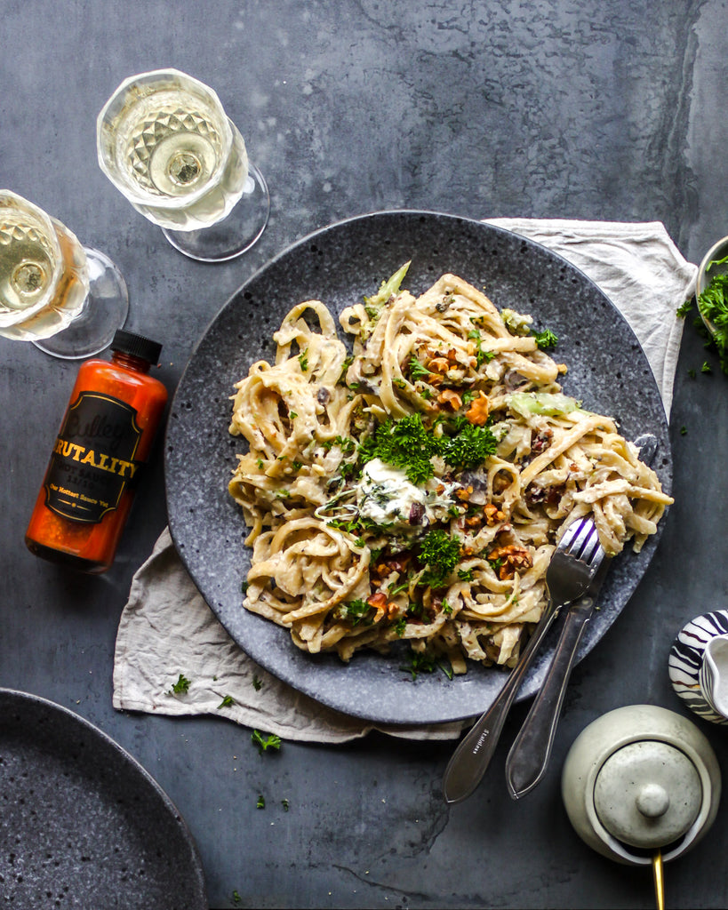 BRUTALLY HOT & CREAMY MUSHROOM & BROCCOLI FETTUCCINE WITH WALNUTS