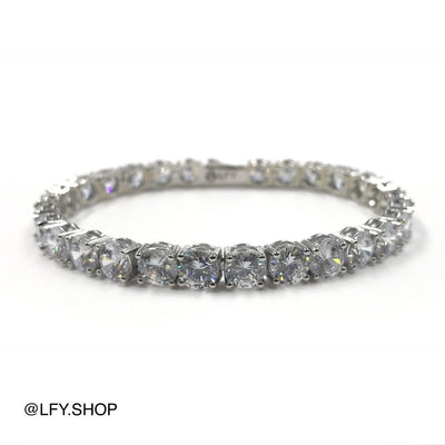 6mm ICED Tennis Bracelet in White Gold, front and back of the jewellery being shown, best out.