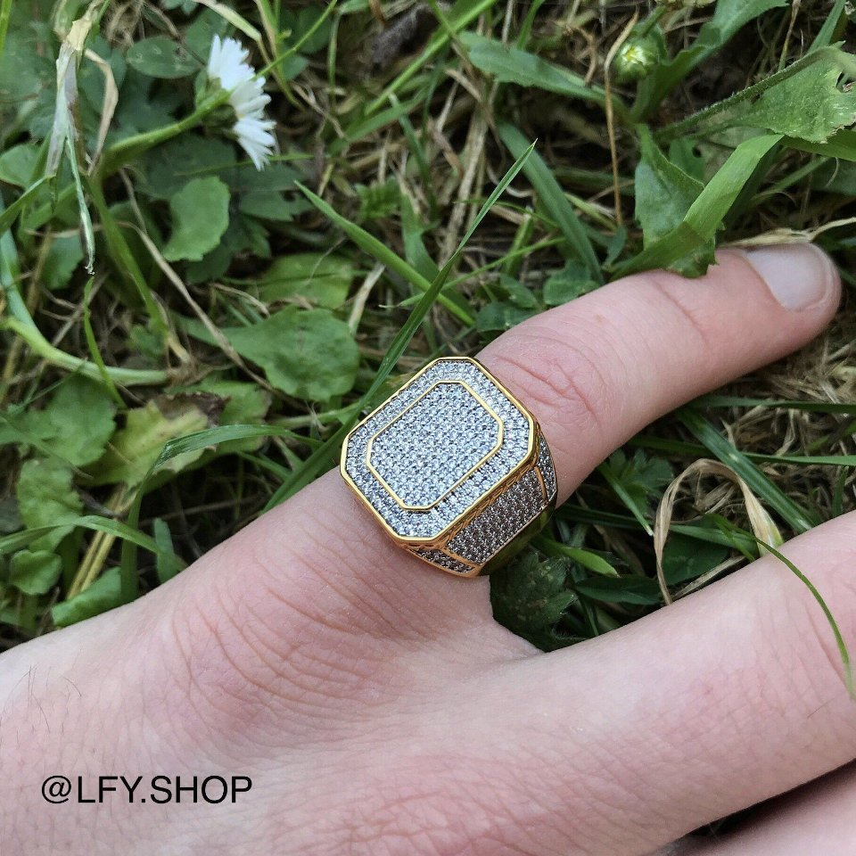 ICED Boss Ring in Gold