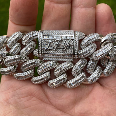 19mm LFY ICED Baguette Cuban Bracelet in White Gold, showing the front of the jewellery and the clasp. Best out.