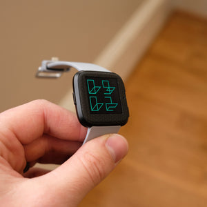 Fitbit-Versa-Black-Hex-3
