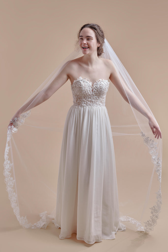 Oopsie Daisy Wedding Veil - single tier, court