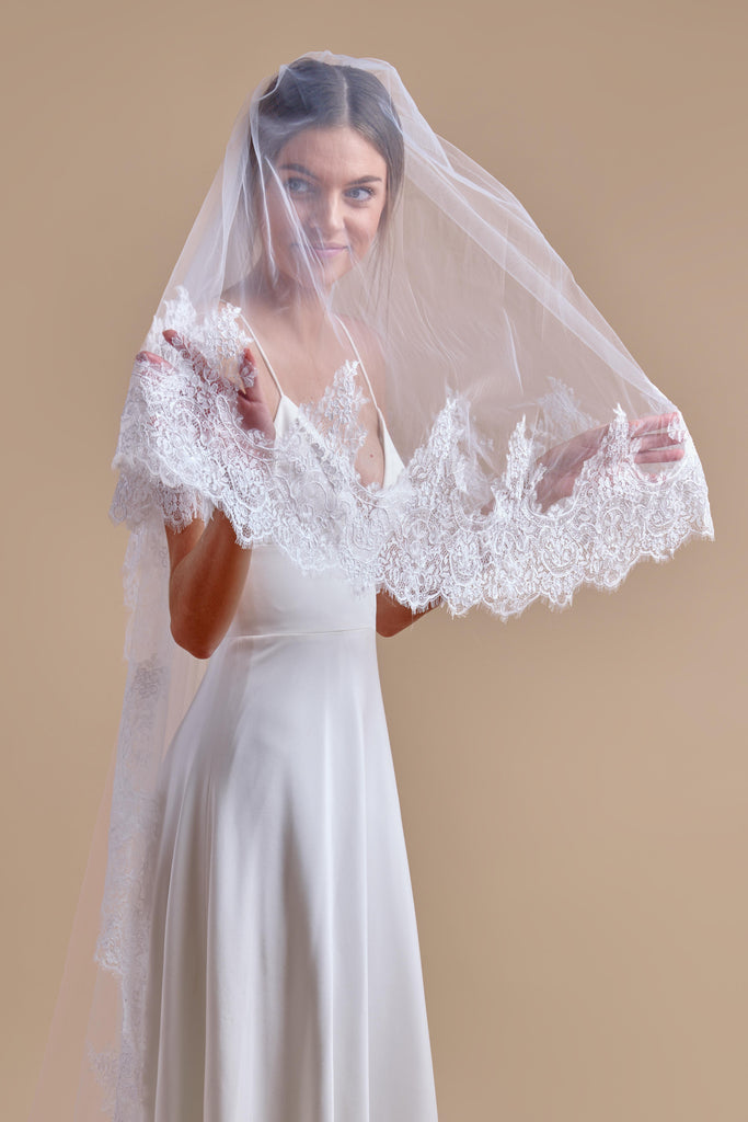 Royal Treatment Wedding Veil - single tier, cathedral