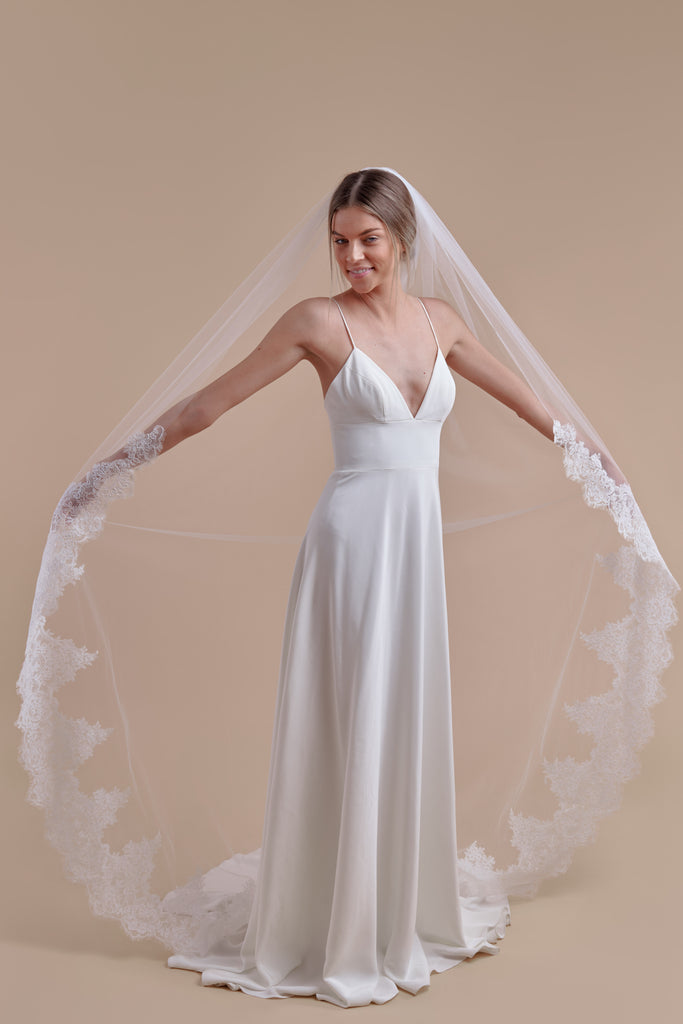 Royal Treatment Wedding Veil - single tier, court