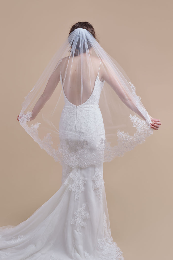 Royal Treatment Wedding Veil - single tier, fingertip