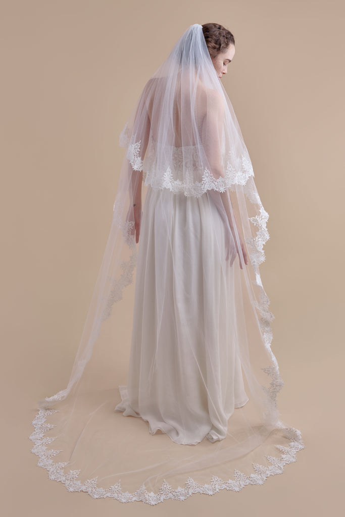 Vintage Vines Wedding Veil - double tier, court