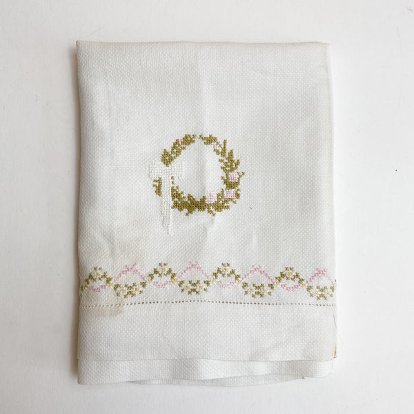 "Wreath Hand Embroidered Vintage Cloth - 20"" x 36"""