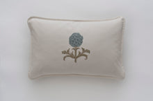 Artichoke Cloud linen cushion