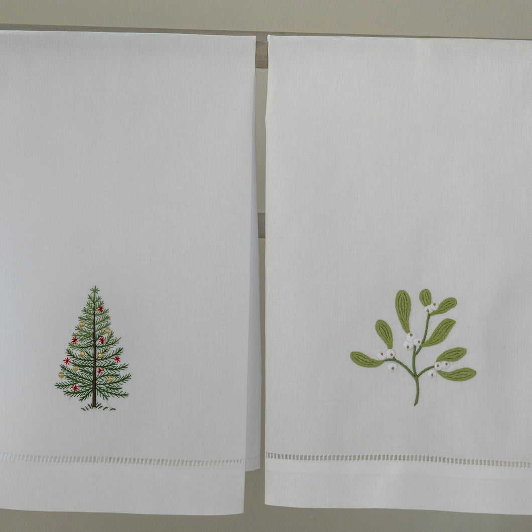 Tree & Mistletoe hand towels