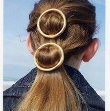 Load image into Gallery viewer, Circle Hair Clips