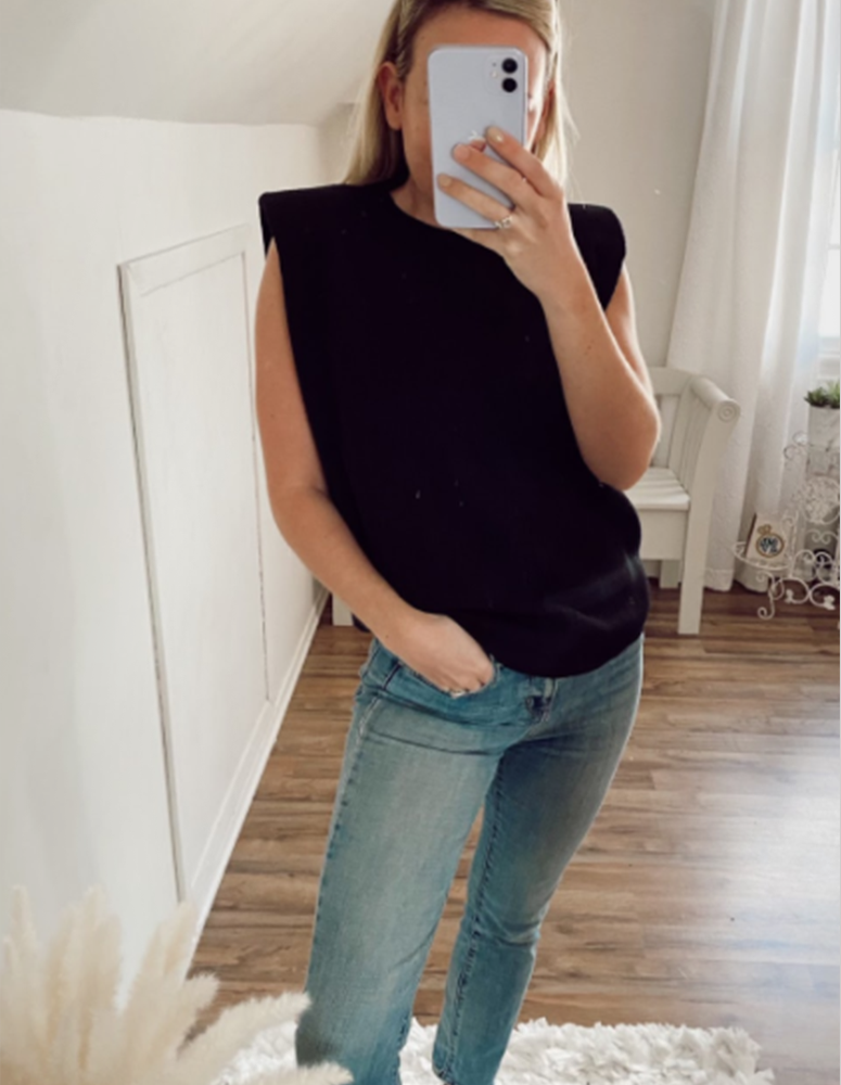 Callie Black Shoulder top