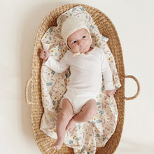 Load image into Gallery viewer, Cam Cam Copenhagen, Baby Changing Basket - Bygge Bo