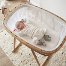 Load image into Gallery viewer, Charlie Crane, Kumi Crib Hazel - Bygge Bo