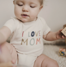 Load image into Gallery viewer, Finn & Emma, Graphic Print Bodysuit, Love Mom - Bygge Bo