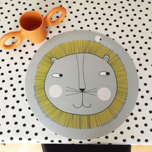 Load image into Gallery viewer, OYOY, Lion Silicone Placemat - Bygge Bo