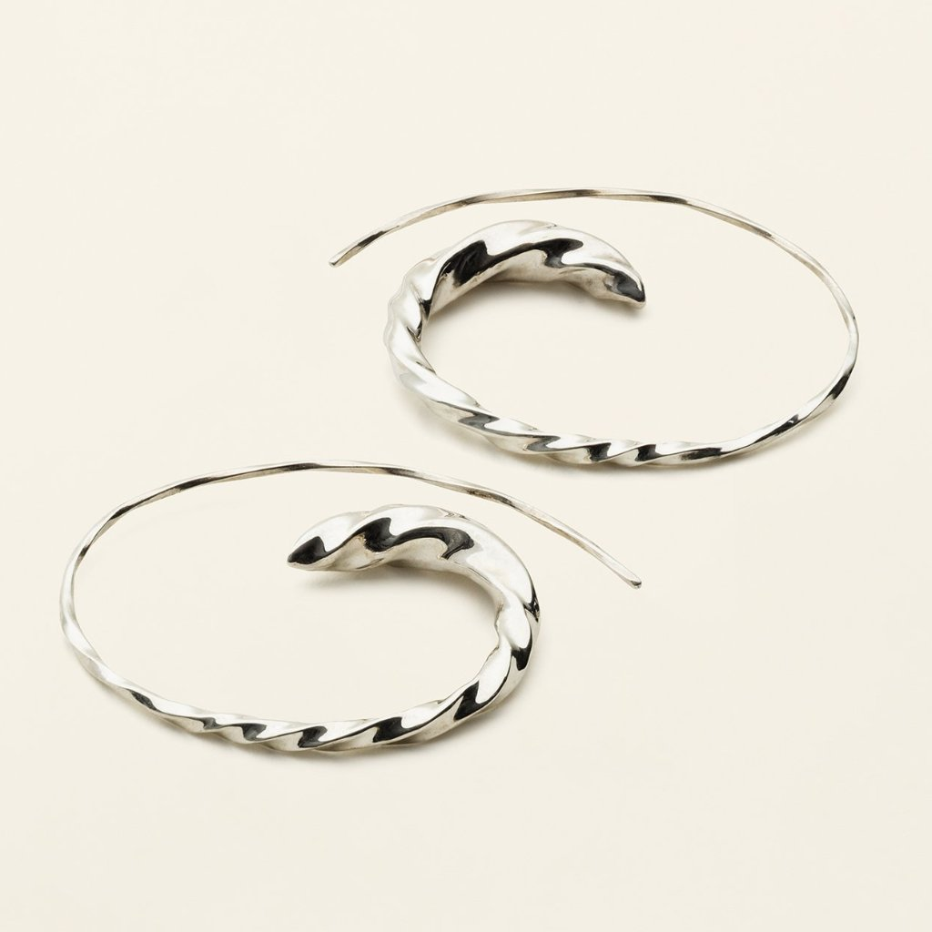STORE FLOW ASYMMETRIC HOOPS - sølv