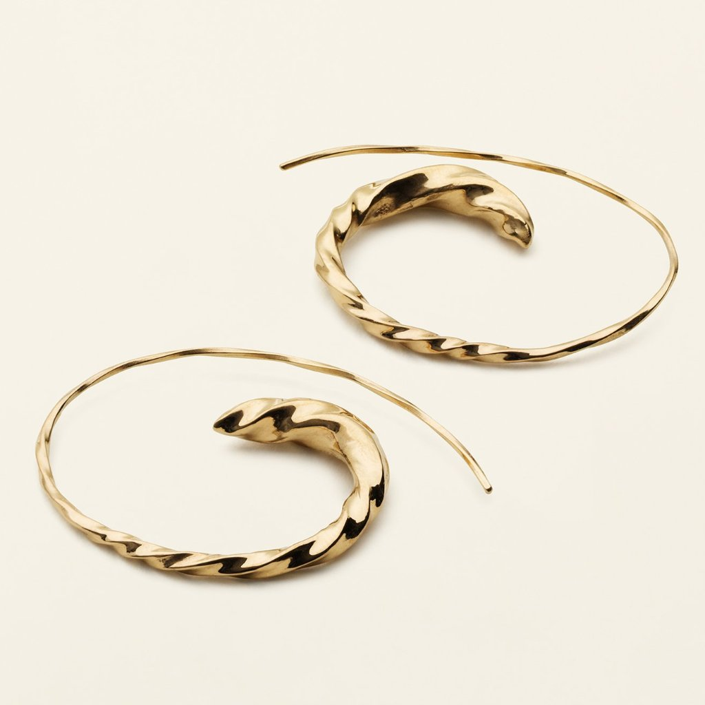 STORE FLOW ASYMMETRIC HOOPS - forgyldt sølv