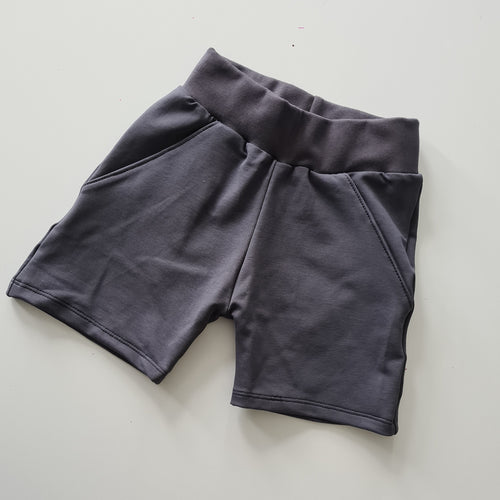 Medium Weight Pocket Shorts