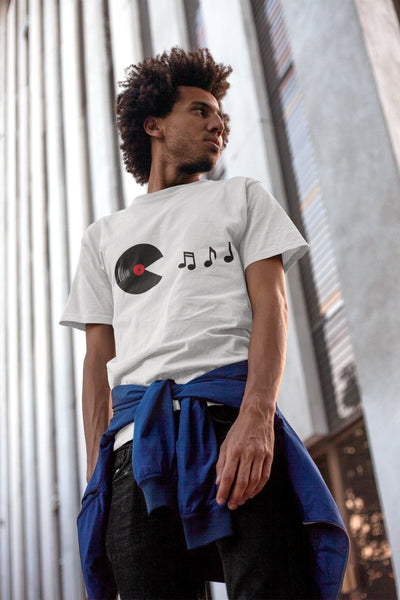 Camiseta unisex Softstyle Vinyl Eats Music Notes | Techno Outfit