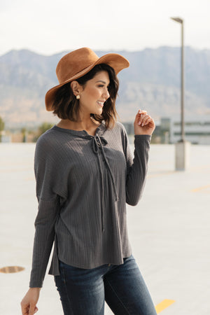 Straight Laced Ribbed Top In Charcoal