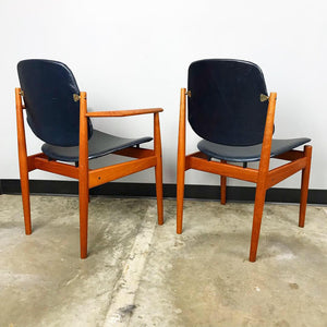 Rare Set of 6 Dining Chairs by Arne Vodder With New Upholstery (FREE SHIPPING)