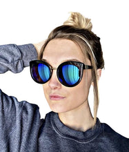 Load image into Gallery viewer, The Laguna Sunglasses - 2 colors
