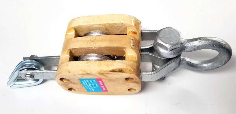 North Pacific Double Wood Block with Shackle