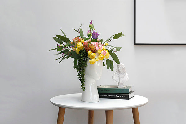 Modern Head Shaped Flower Vase - Fourline Design