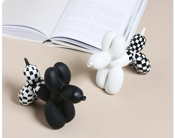 Checkered Balloon Dogs Figurines - Four Line Design