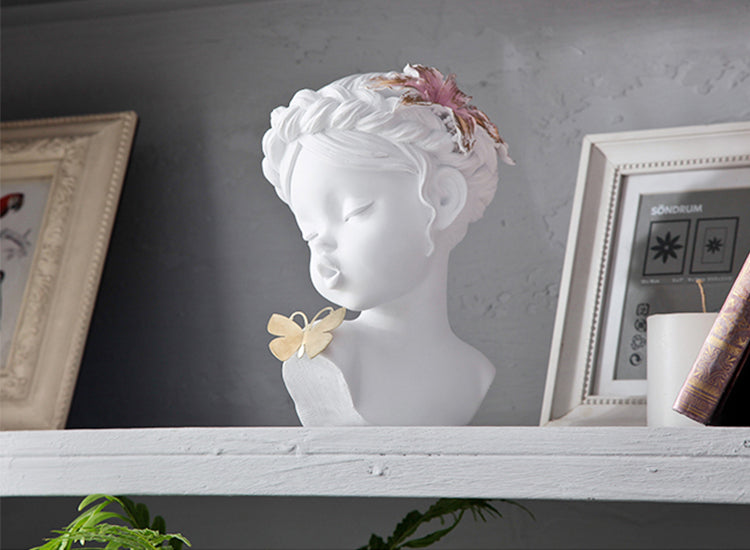 Summer Girl | Sculptures - fourline design