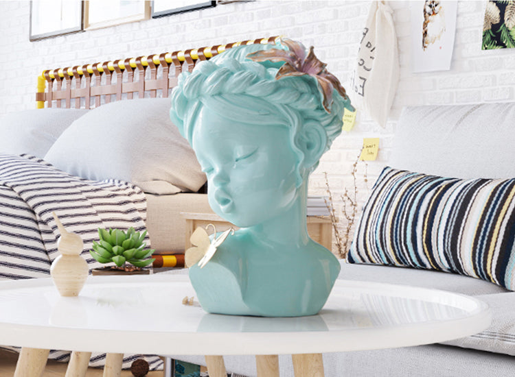 Summer Girl | Sculptures - fourline.design