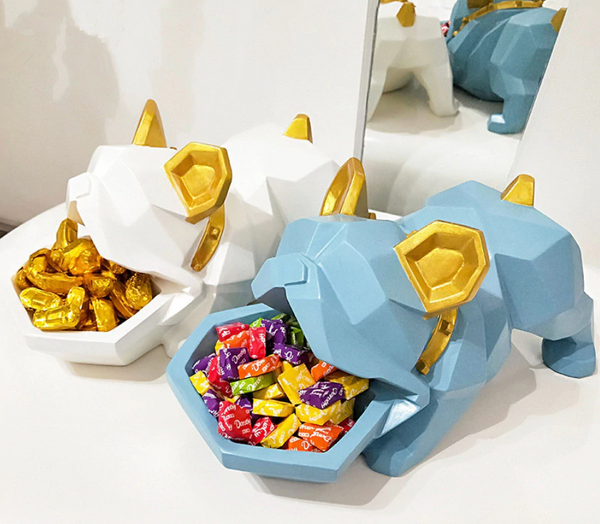 Bulldog Candy Box | Centerpieces - fourlinedesign