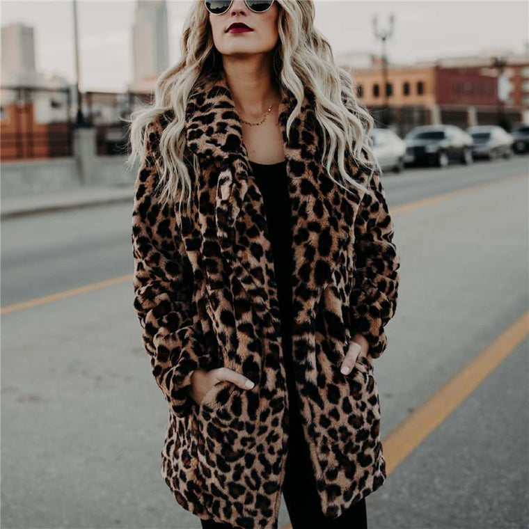 Women Elegant Leopard Print Collar Warm Coat