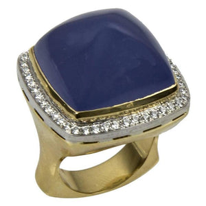 Beautiful Chalcedony Sugarloaf Diamond Gold Ring