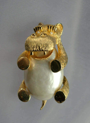 Hippopotamus Jelly Belly Pearl Belly Gold Plate Hippo Brooch Pin Estate Find