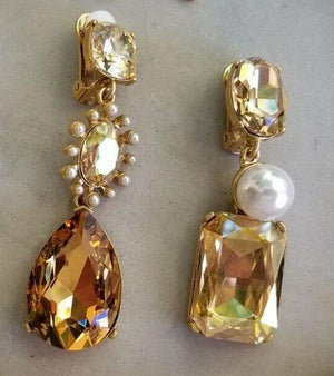 Oscar De La Renta Faux Pearls and Crystal Necklace and Drop Earrings Estate Find