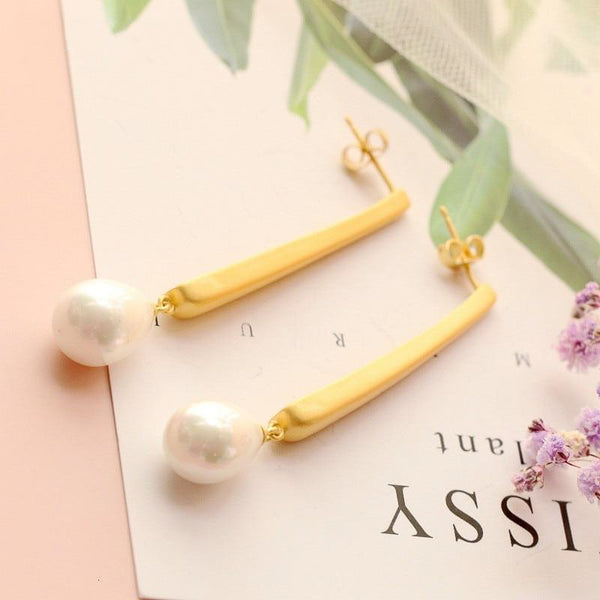 Classic Mute Pearl Drop Earrings