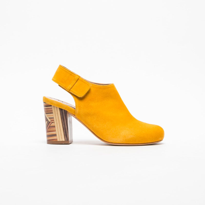 women-footwear-mules