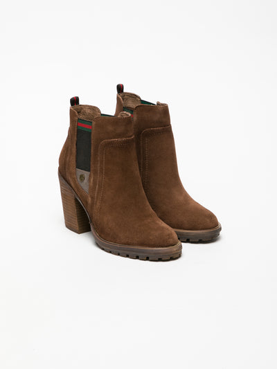 Carmela Brown Round Toe Ankle Boots