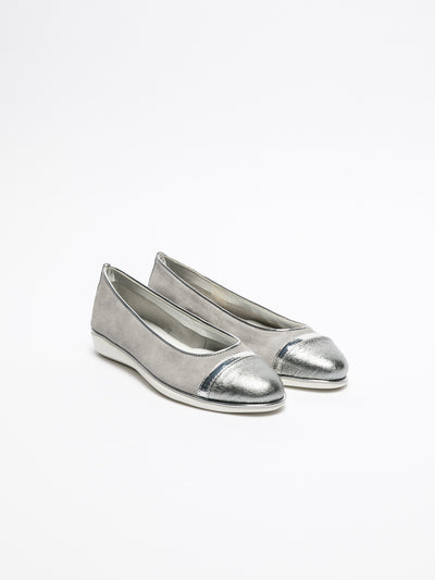 The Flexx Silver Round Toe Ballerinas