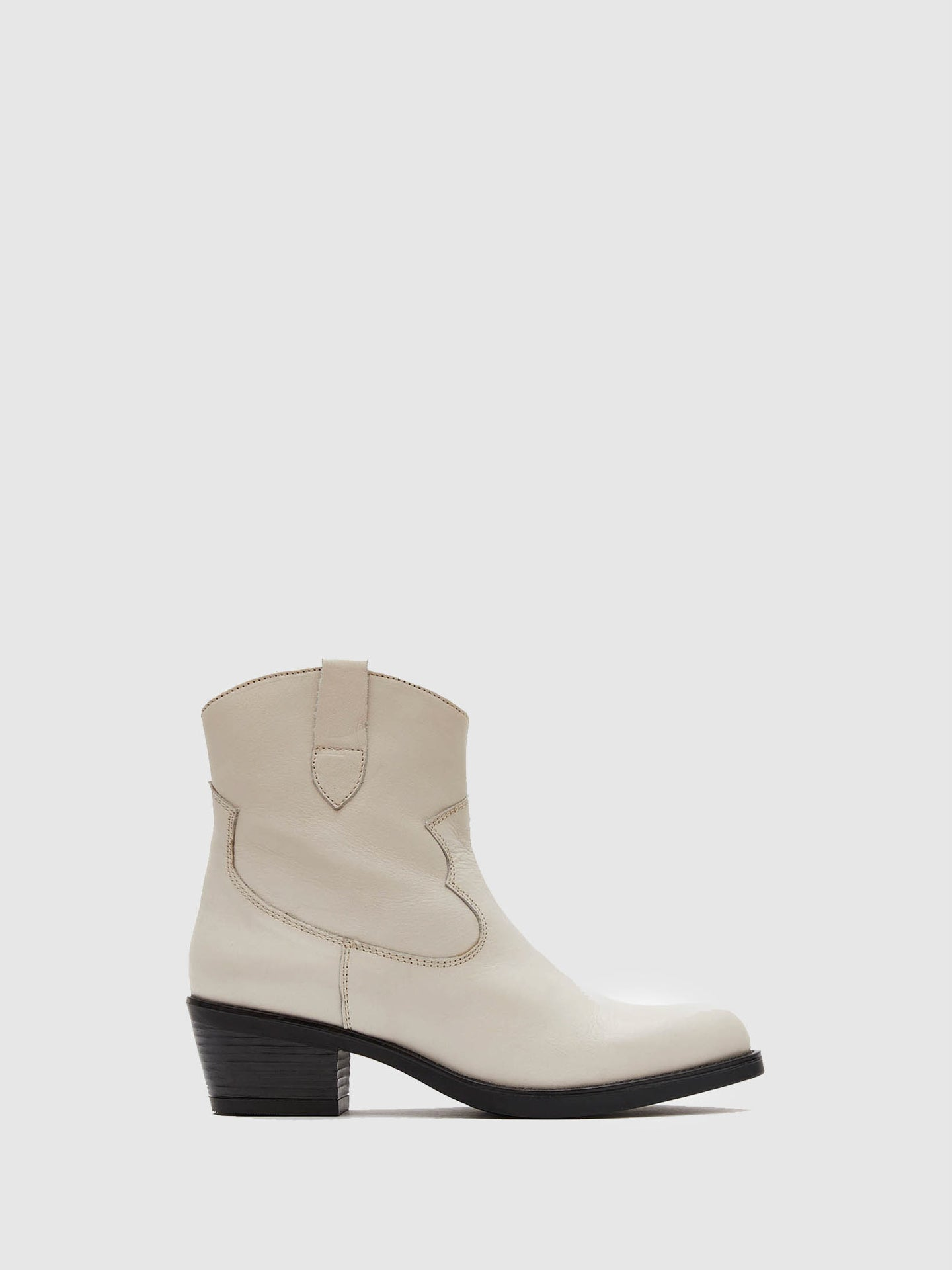 Marila Shoes White Round Toe Boots
