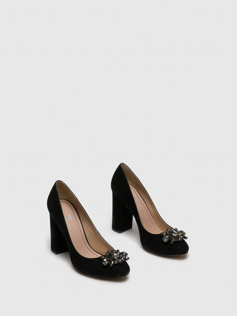 Black Round Toe Pumps