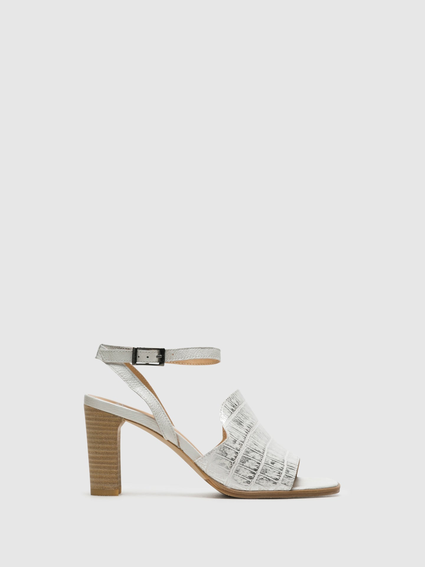 Perlato Silver Buckle Sandals