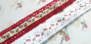 Lace trimmed rose ribbon